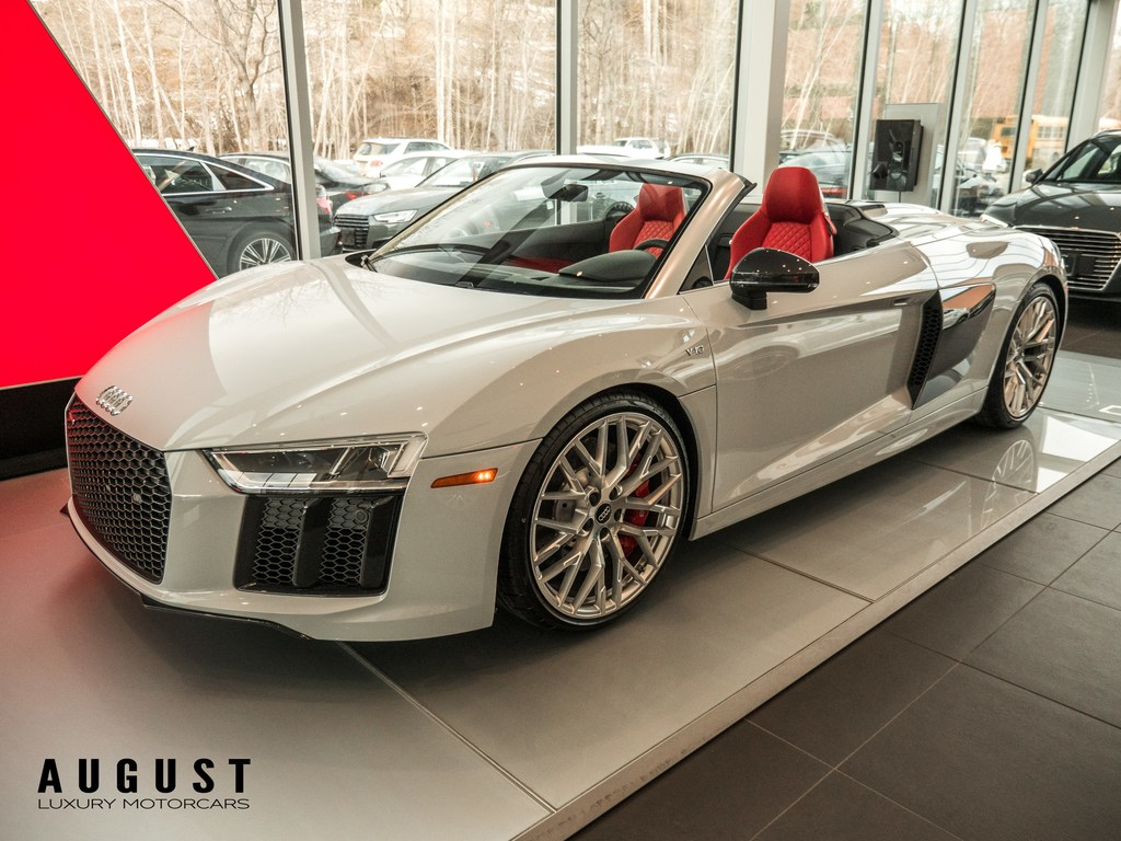 Pre-Owned 2018 Audi R8 Spyder V10 Brand New