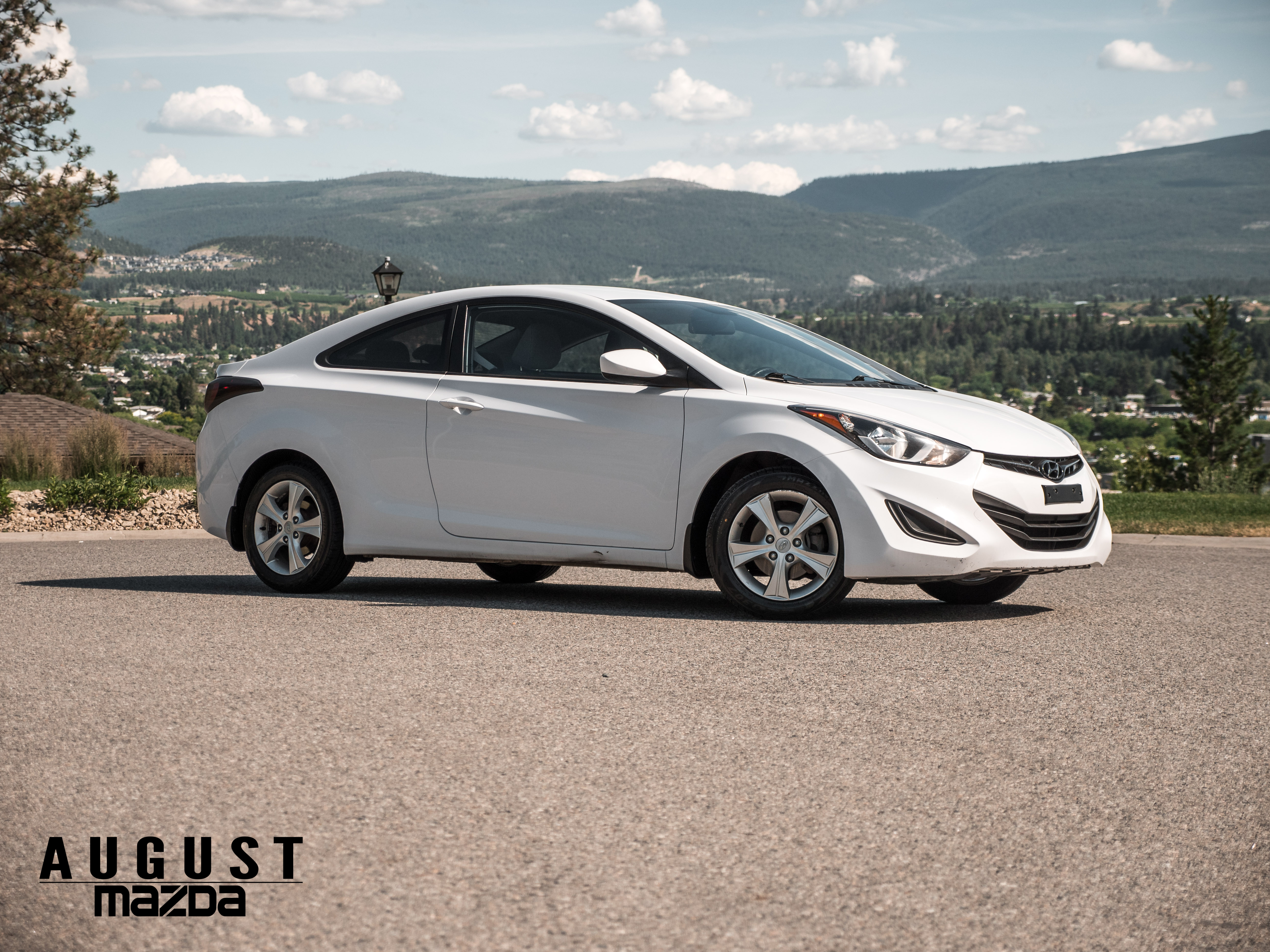 Pre-Owned 2014 Hyundai Elantra Base