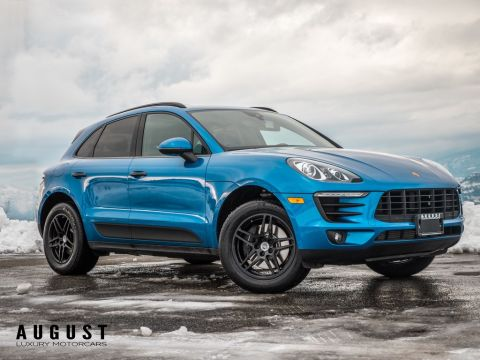 Pre-Owned 2017 Porsche Macan Premium Package